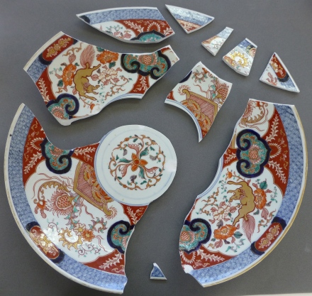 imari in 10 pieces ready for bondingbonding